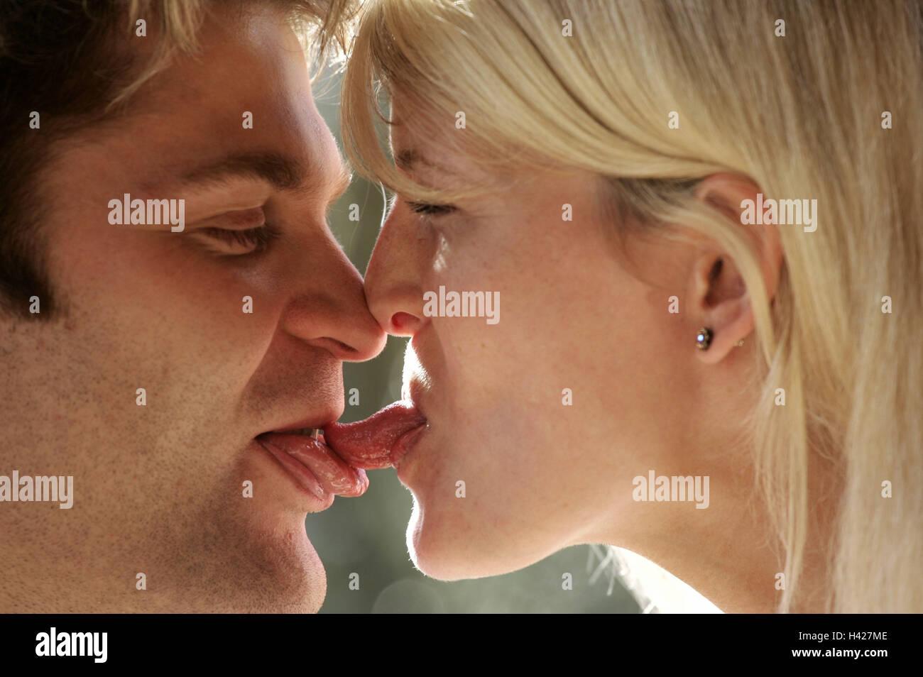 Toung to toung kiss