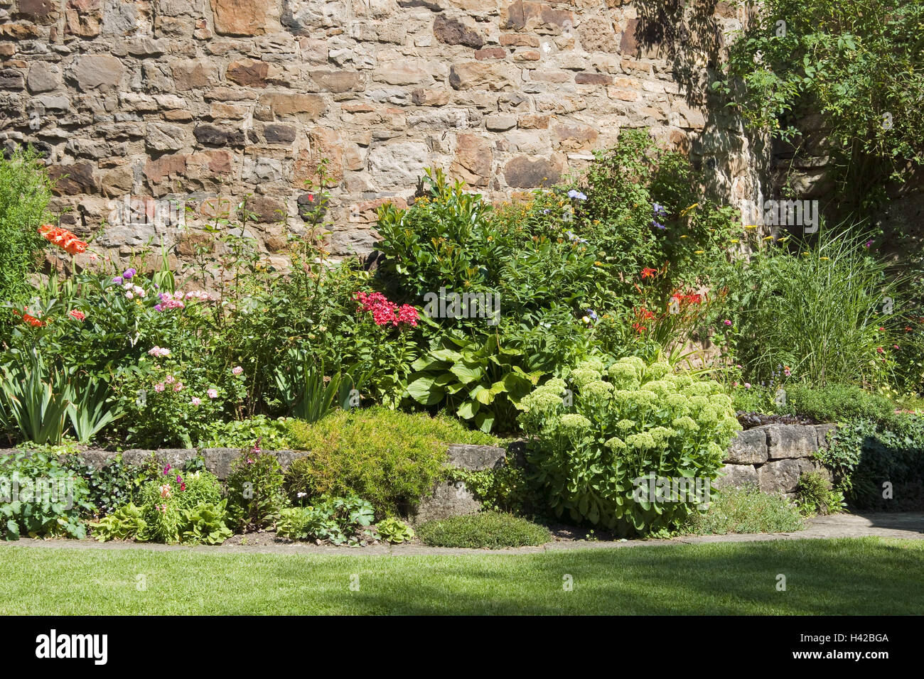 Stone Defensive Wall, Cottage Gardens, Germany, Baden Wurttemberg,  Tübingen, Cloister, Outside, Defensive Wall, Round Tower, Tower, Garden,  Flowers, ...