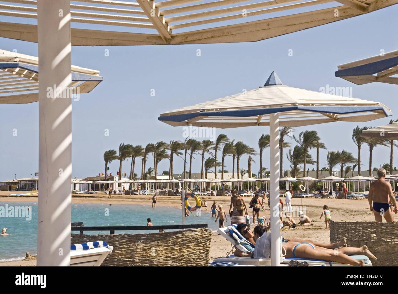 Egypt Hurghada Dana Beach Resort Beach Sunshades Tourists Stock Photo Alamy