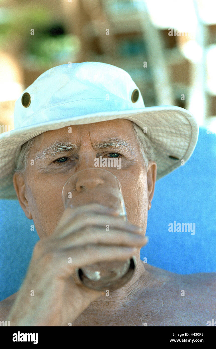 Senior, free upper part of the body, care, water glass, drink, portrait, senior citizens, pensioners, 80 years, - Stock Image