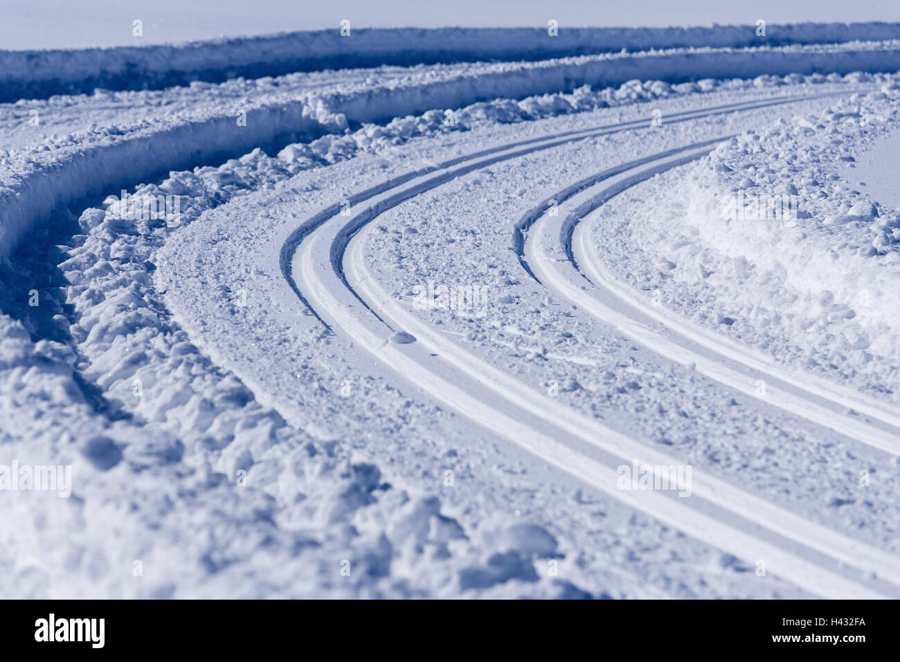 Cross country ski track, tracks, two, parallel, snow, sunshine, cross-country trail, cross-country skiing, going - Stock Image