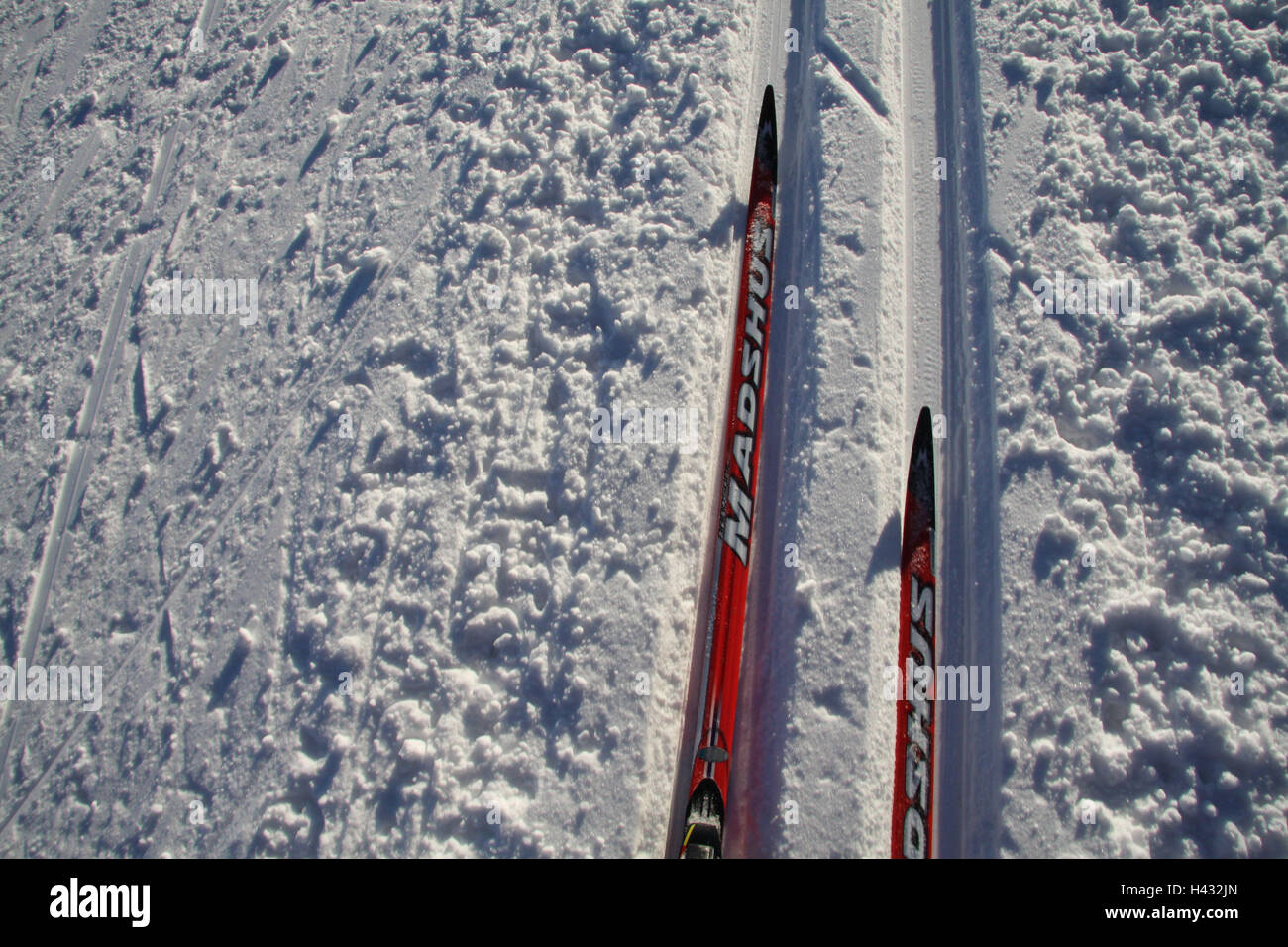 There go cross-country skiing, classically, cross-country trail, track, skis, detail, snow, ski points, cross-country - Stock Image