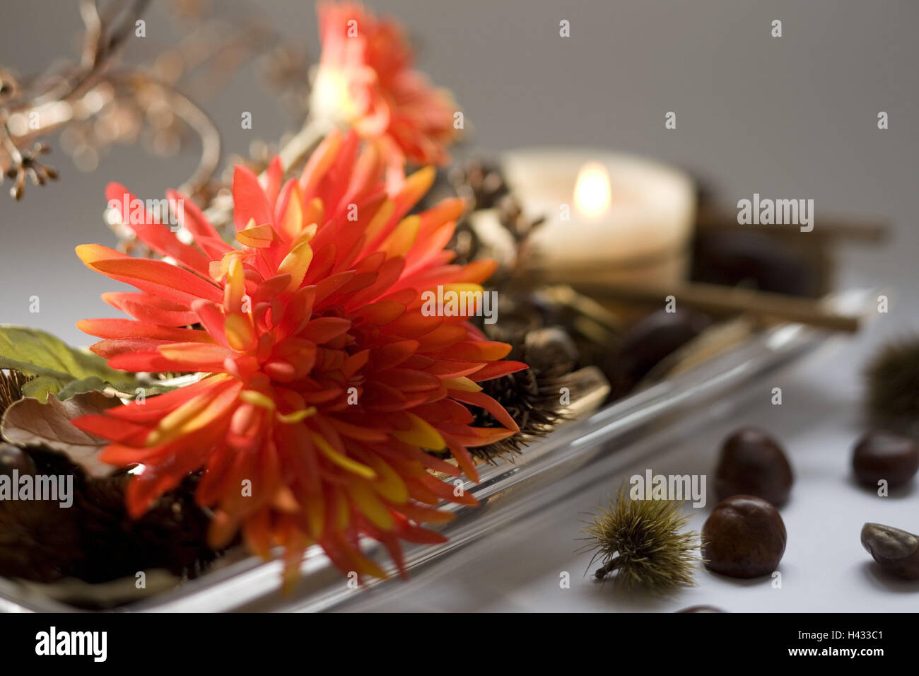 Candle Arrangement Flowers High Resolution Stock Photography And Images Alamy