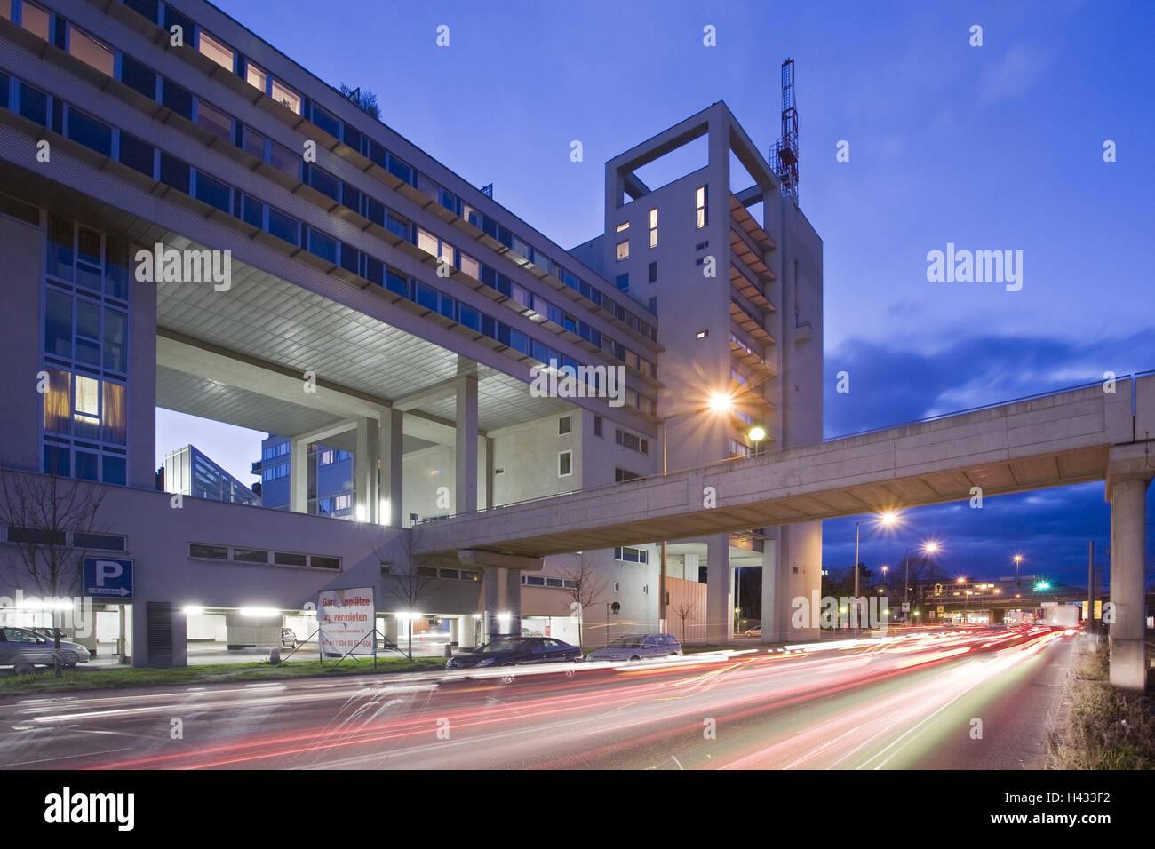 Austria, Vienna, commercial imitation leather, building, street, light tracks, night, - Stock Image