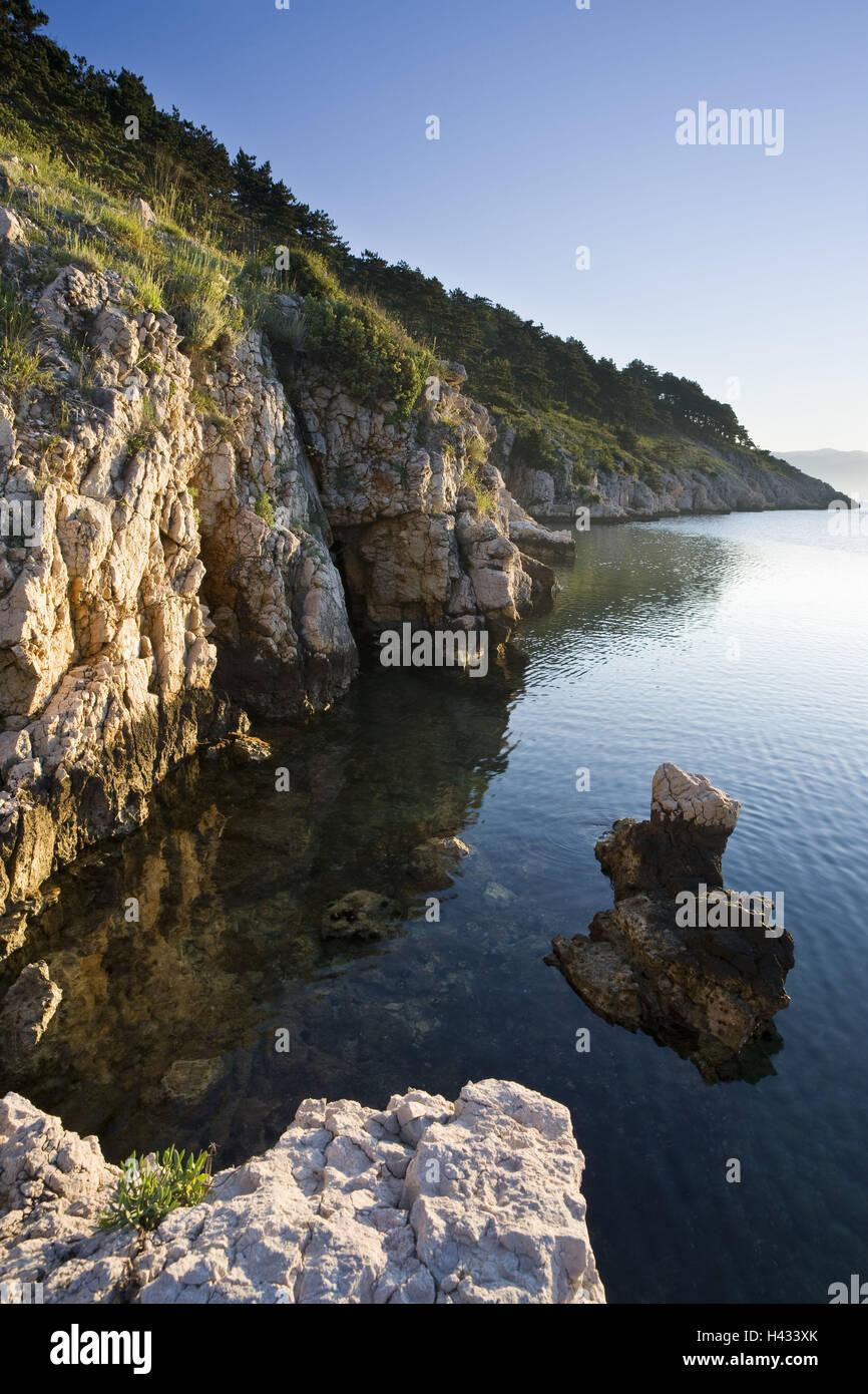 Croatia, Kvarner bay, island Krk, Vrbnik, bile coast, coast, rock, the Mediterranean Sea, - Stock Image