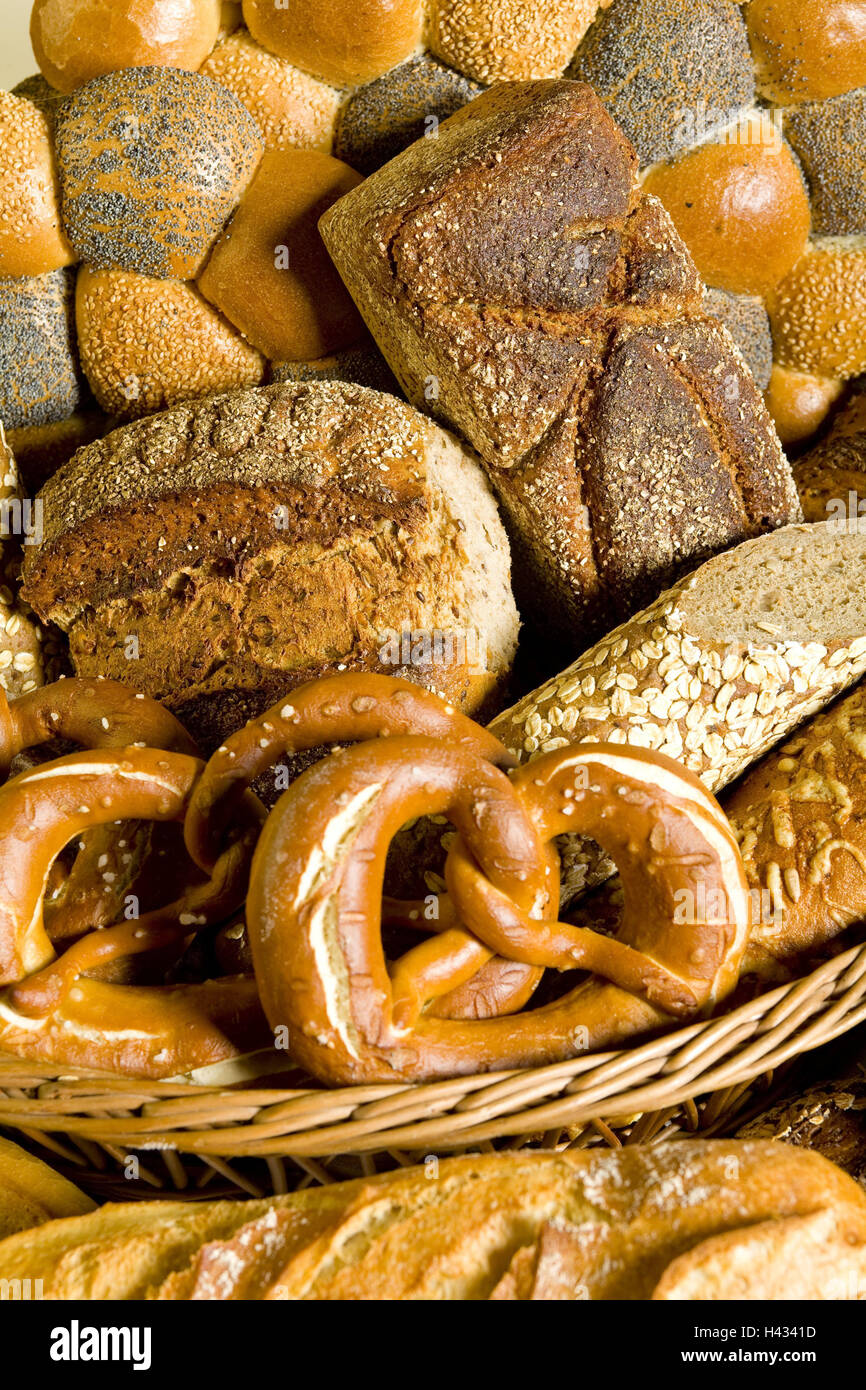 Bread baskets, cake, bread basket, basket, cakes and pastries, bread rolls, buns, loaf bread, Brezen, baguette, - Stock Image