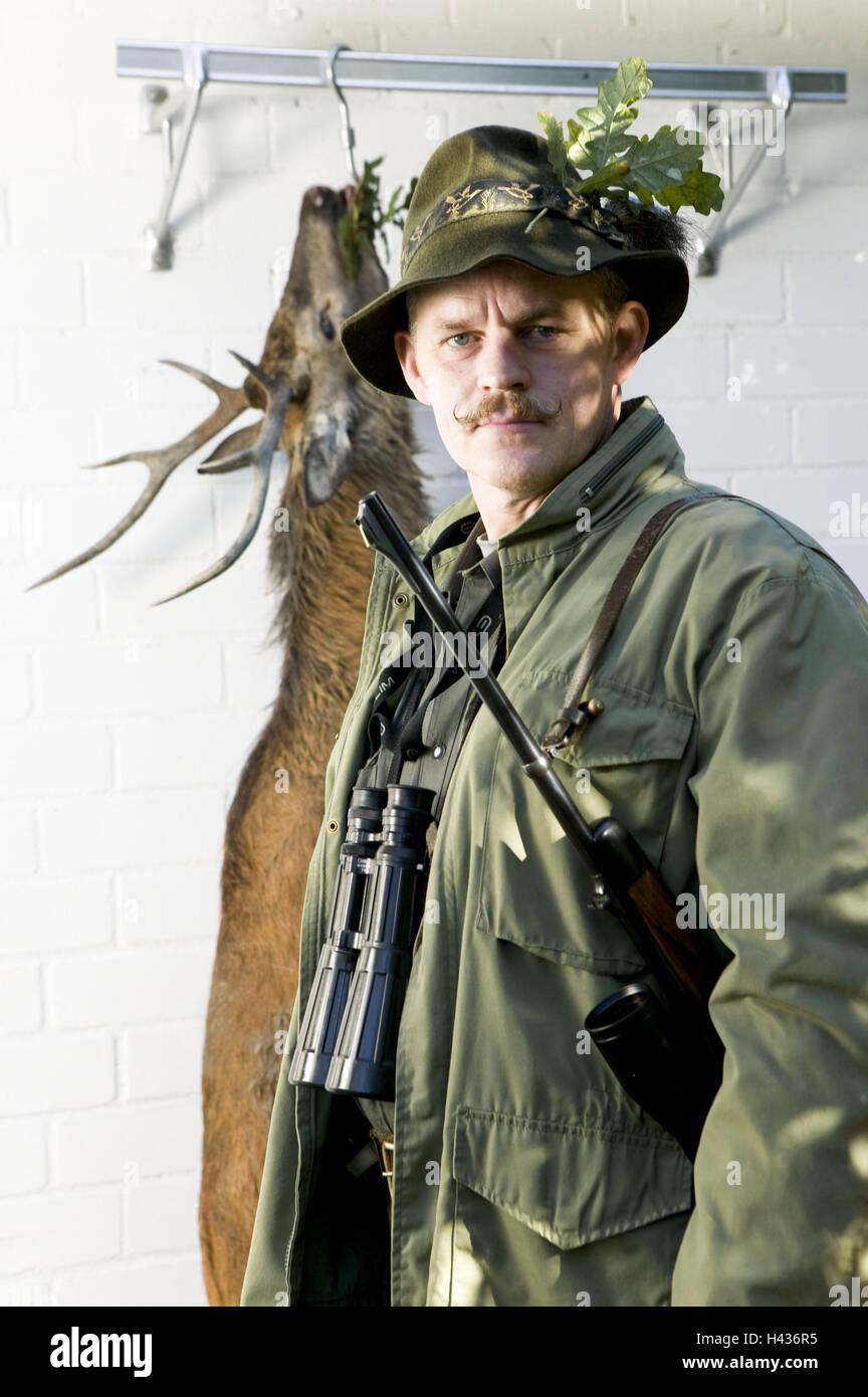 Stag, refrigeration, hunter, loot, hunt game, kills Stock Photo