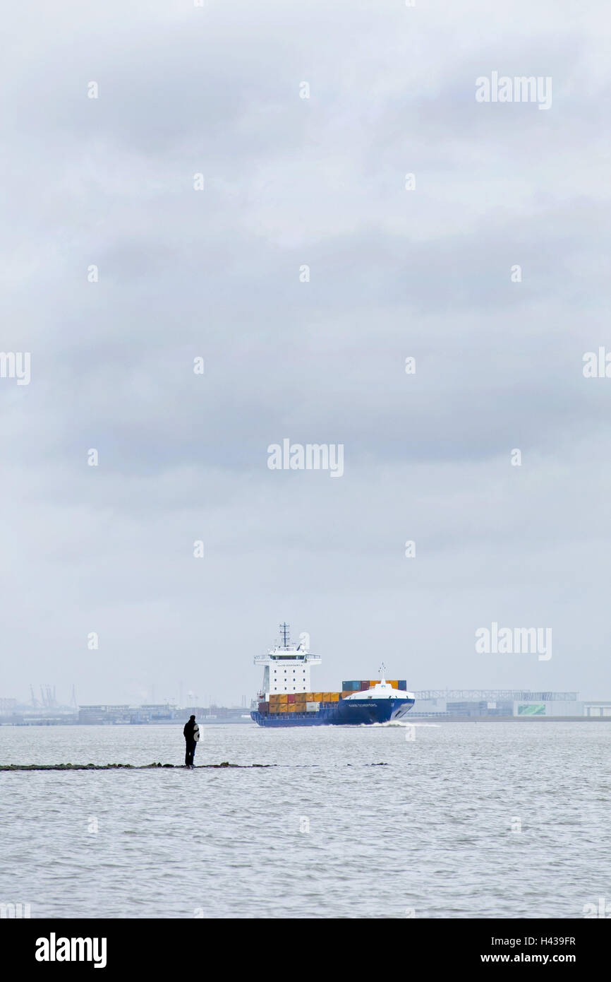 Germany, Hamburg, the Elbe, container ship, side view, heaven, cloudies, outside, harbour, river, waters, ship, - Stock Image