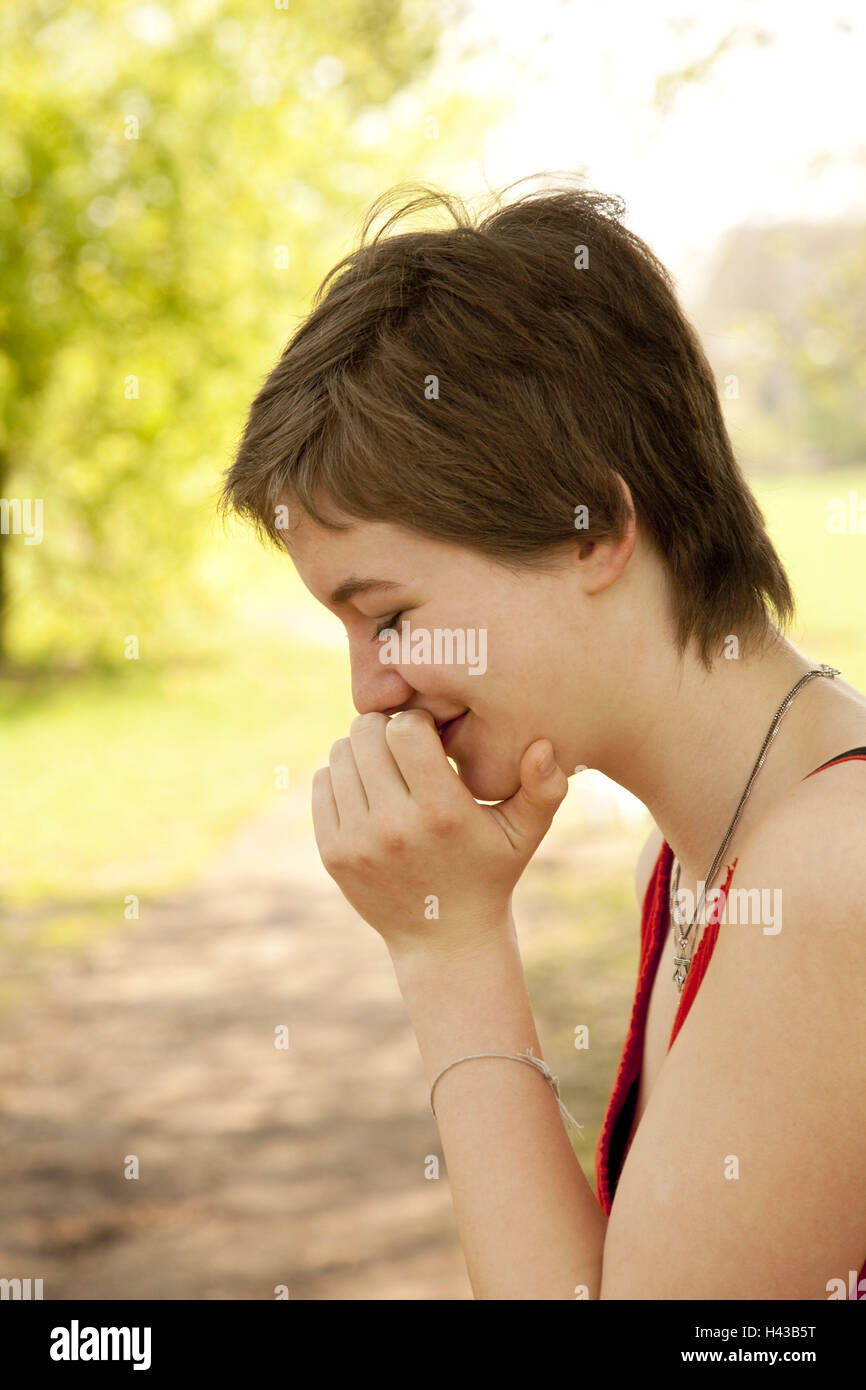 Teenagers, girls, giggle, tread, model released, outside, teenager's girls, young persons, brunette, short-haired, - Stock Image