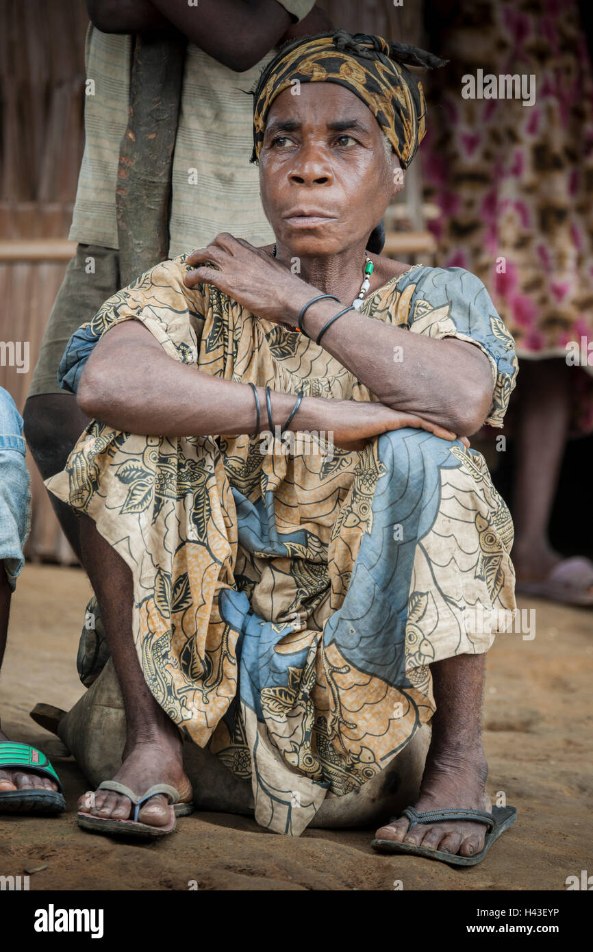 Pygmy woman, people of Baaka, or Baka, or Ba'aka, Grand Batanga, Southern Region, Cameroon - Stock Image