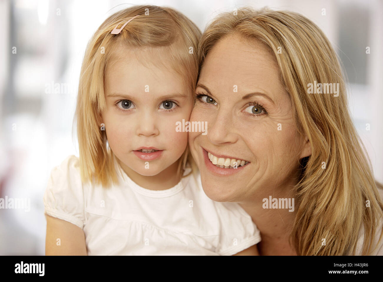 Nut, subsidiary, view camera, smile, happy, portrait, model released, people, woman, child, girl, blond, suture, - Stock Image