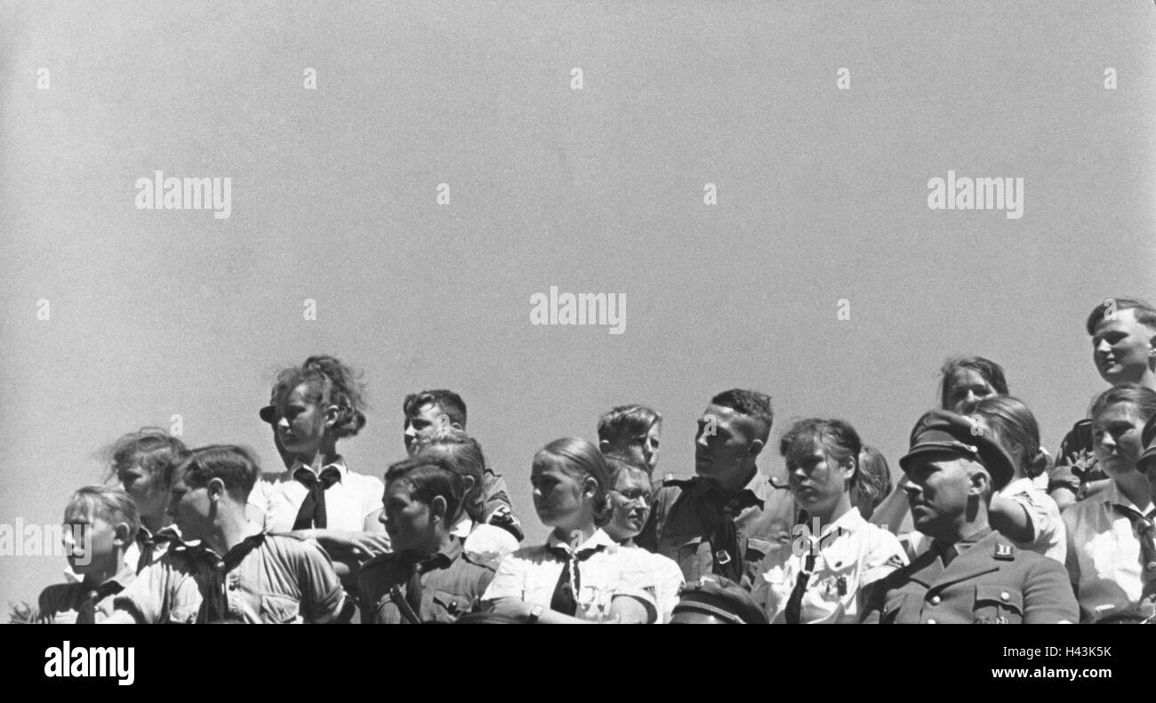 Hitler Youth, stand, guide's visit, expect, b/w, National Socialism, person, young, young persons, youth organisation, - Stock Image
