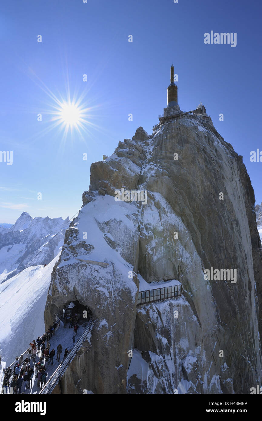 France, Savoy Alps, Chamonix, Mont Blanc, Aiguille du Midi, summit, summit tower, people, footbridge, sun, - Stock Image