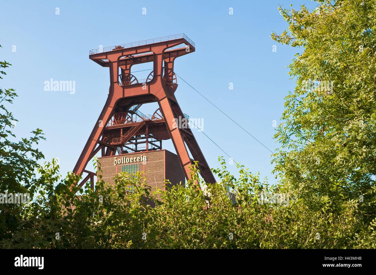 Headframe, mine 12 World Heritage Zollverein, Essen, North Rhine-Westphalia, Germany, - Stock Image