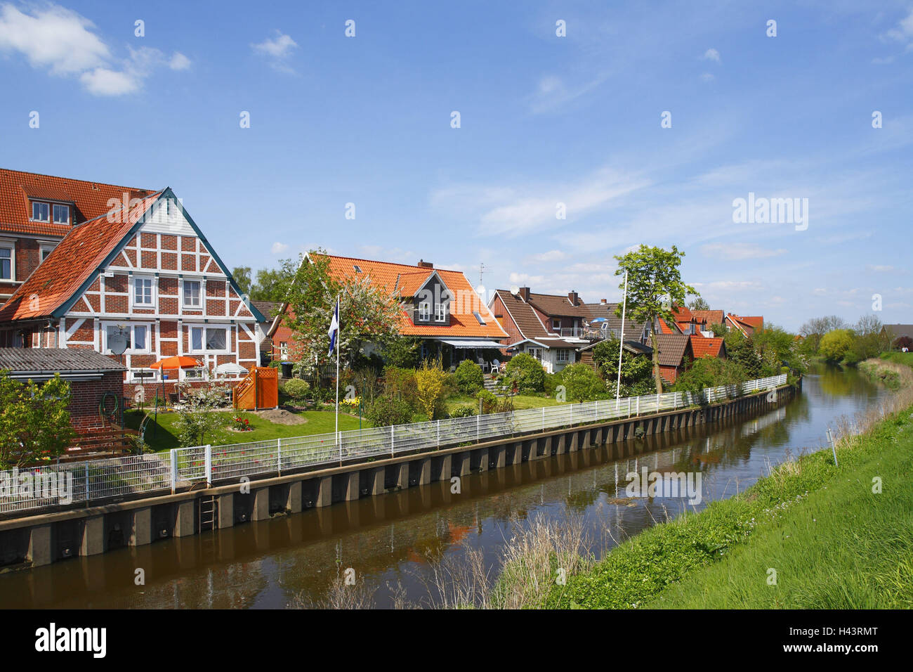 Old country, houses in the Lühe in stone churches, - Stock Image