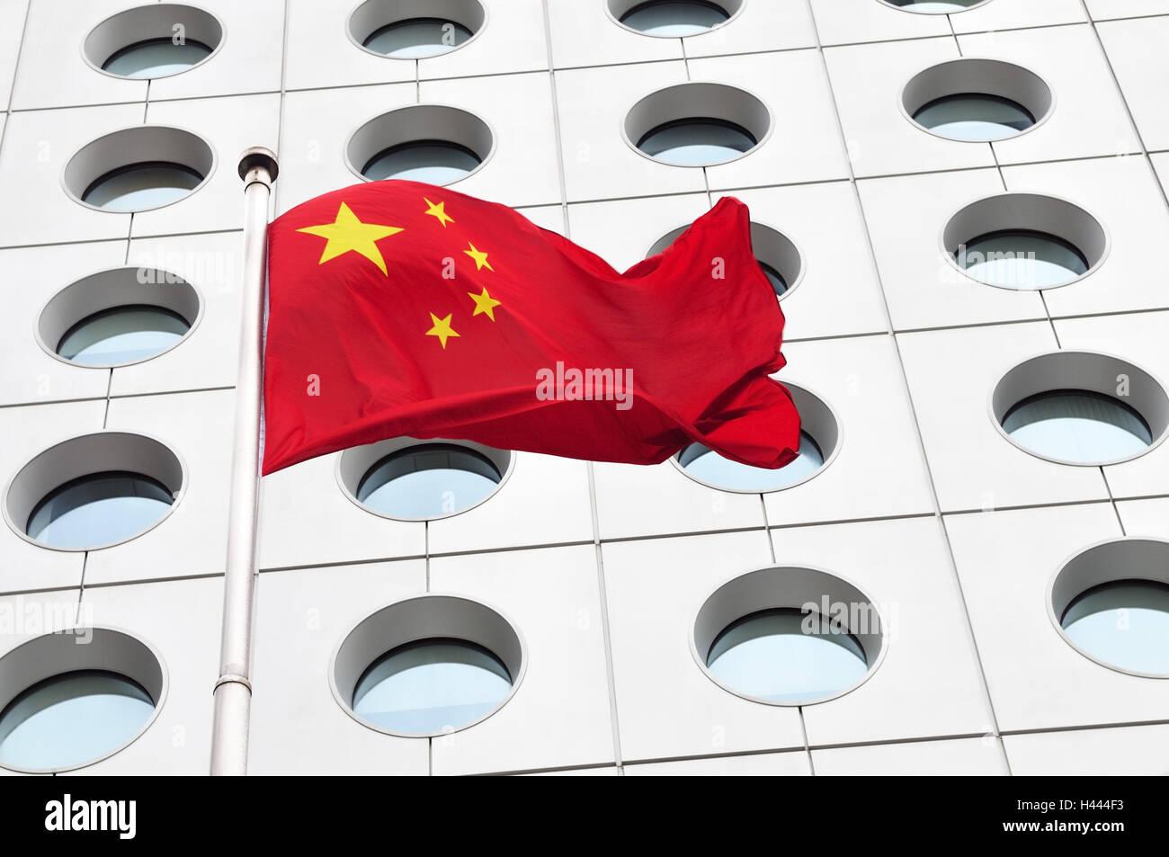 Flag, stars, flagpole, facade, window, red, white, China, Hong Kong, - Stock Image