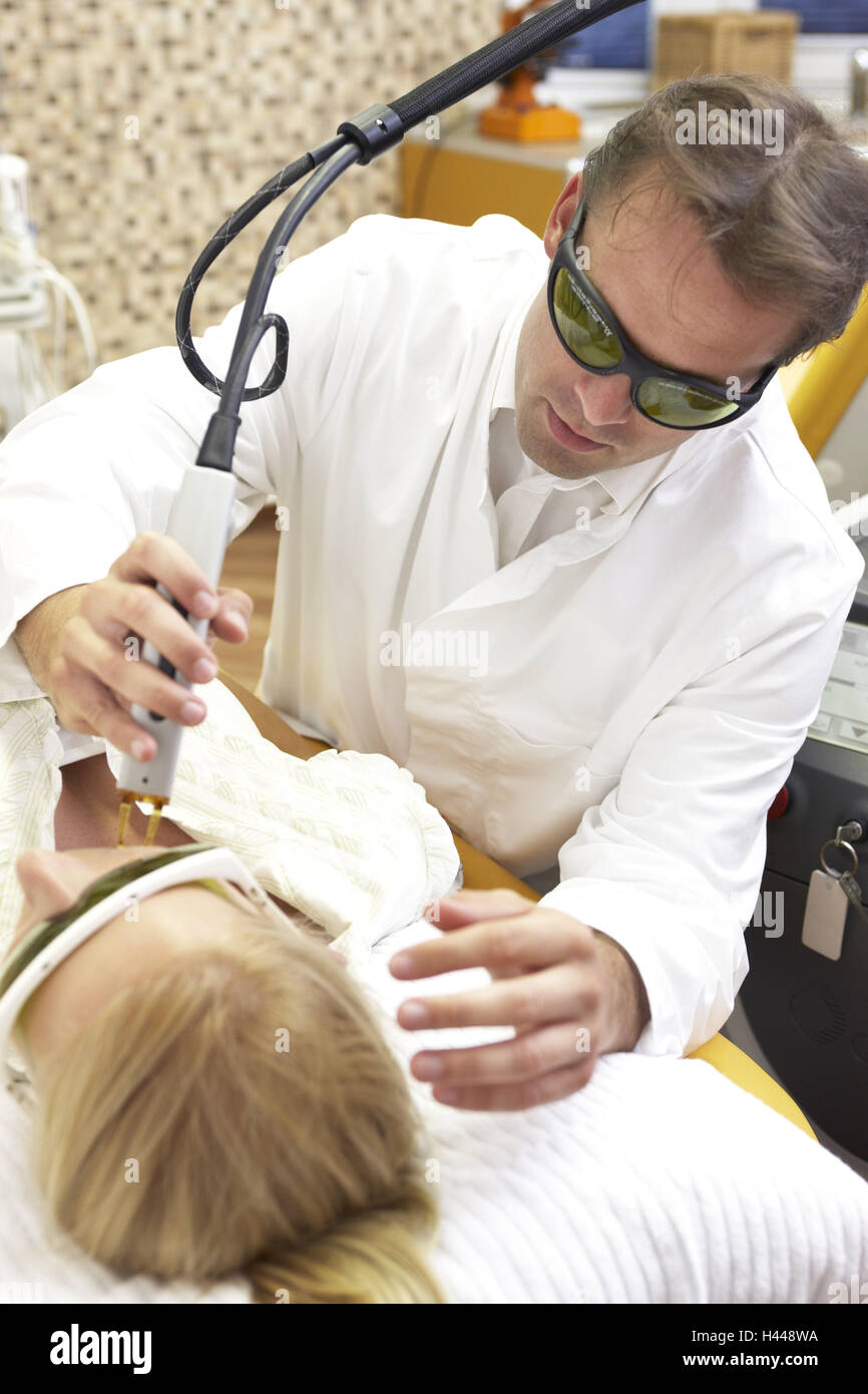 Doctor, practise, laser therapy, Anti-Aging, woman, young, facial treatment, model released, - Stock Image
