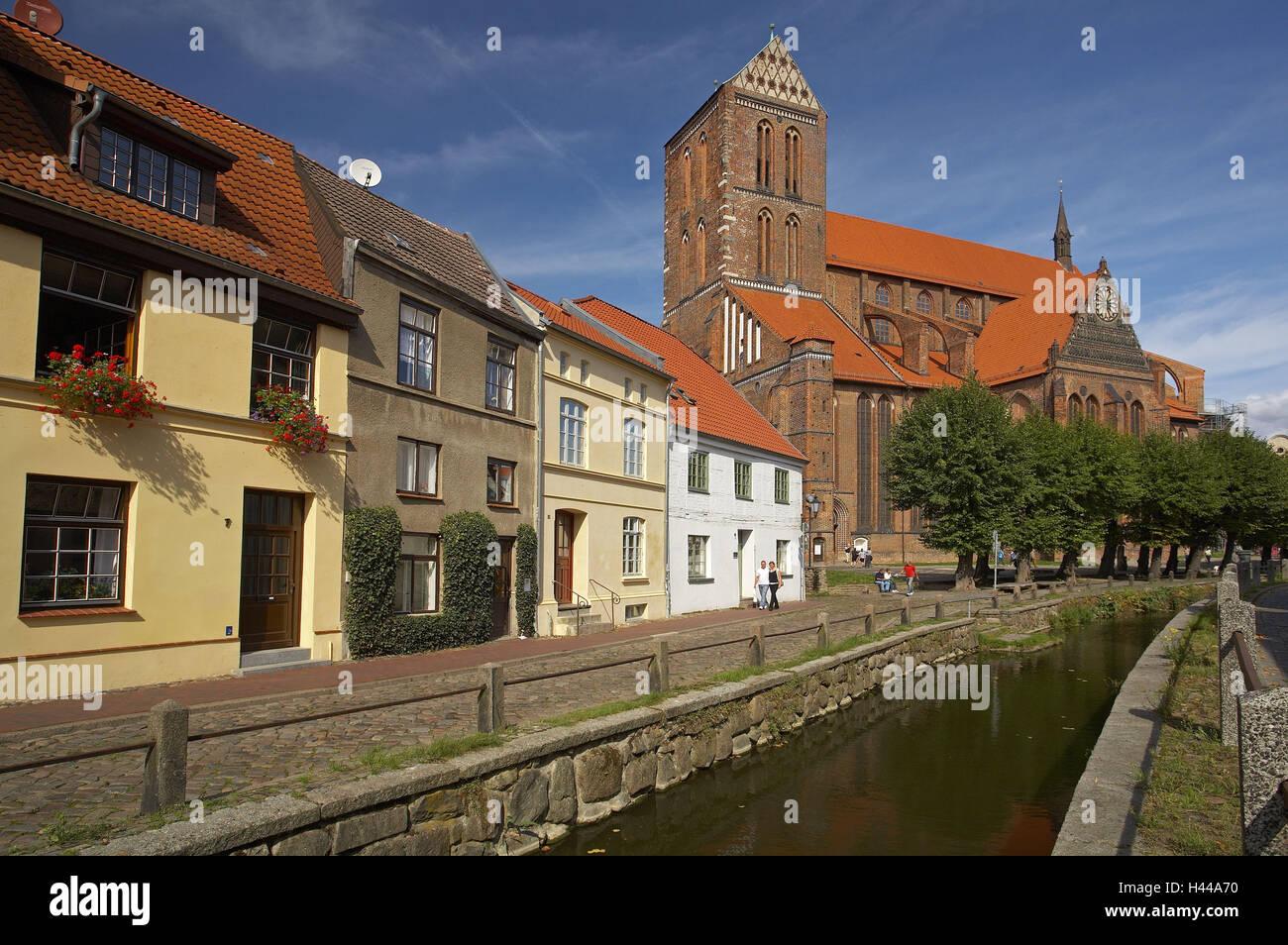 Germany, Mecklenburg-West Pomerania, Wismar, Saint Nikolai church, mill brook channel, - Stock Image