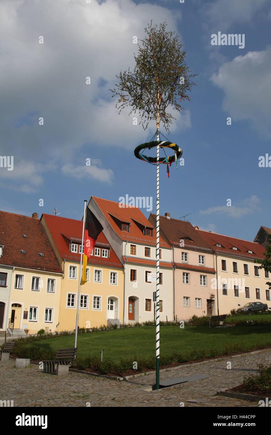 Germany, Saxon Switzerland, Stolpen, Old Town, terrace, maypole, - Stock Image