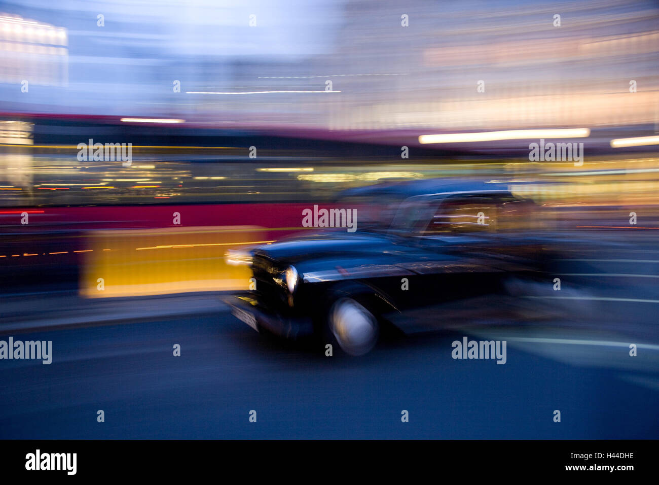Taxi, Picadilly Circus, blur, London, England, Great Britain, - Stock Image
