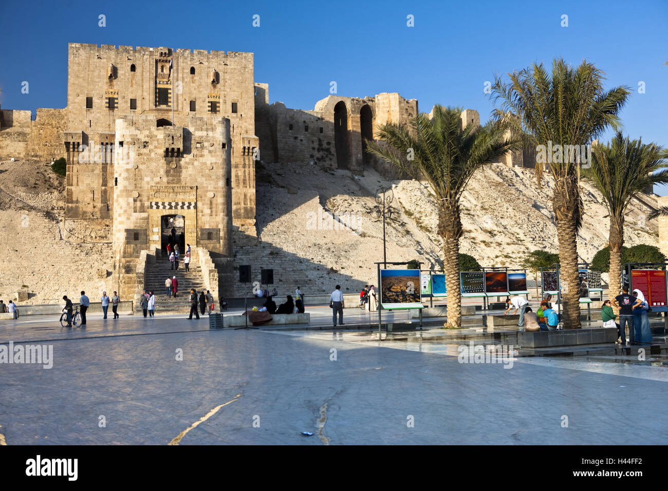 Syria Aleppo Stronghold Tourist Stock Photo 123031190 Alamy