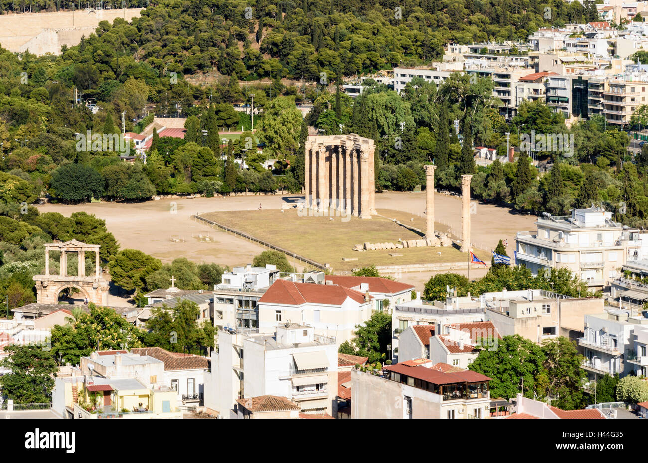 Birds-eye-view of the Arch of Hadrian and the Temple of Olympian Zeus, Athens, Greece - Stock Image