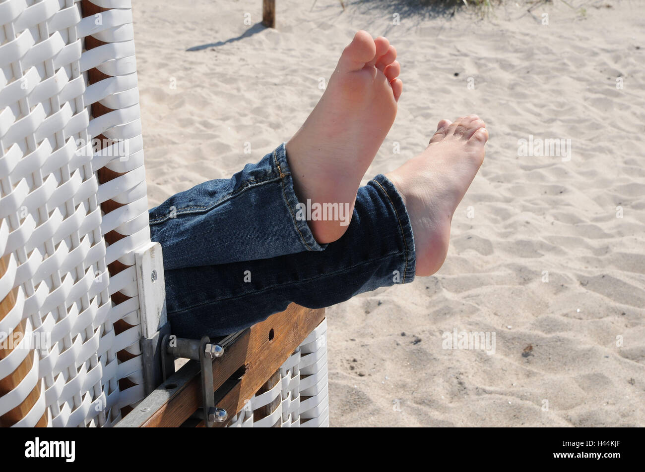Beach Chairs, Boy, Feet, High Level Laying, Detail, Person, Child, Feet,  Summers, Vacation, Relaxing, Take It Easy, Consumption, Leisure Time,