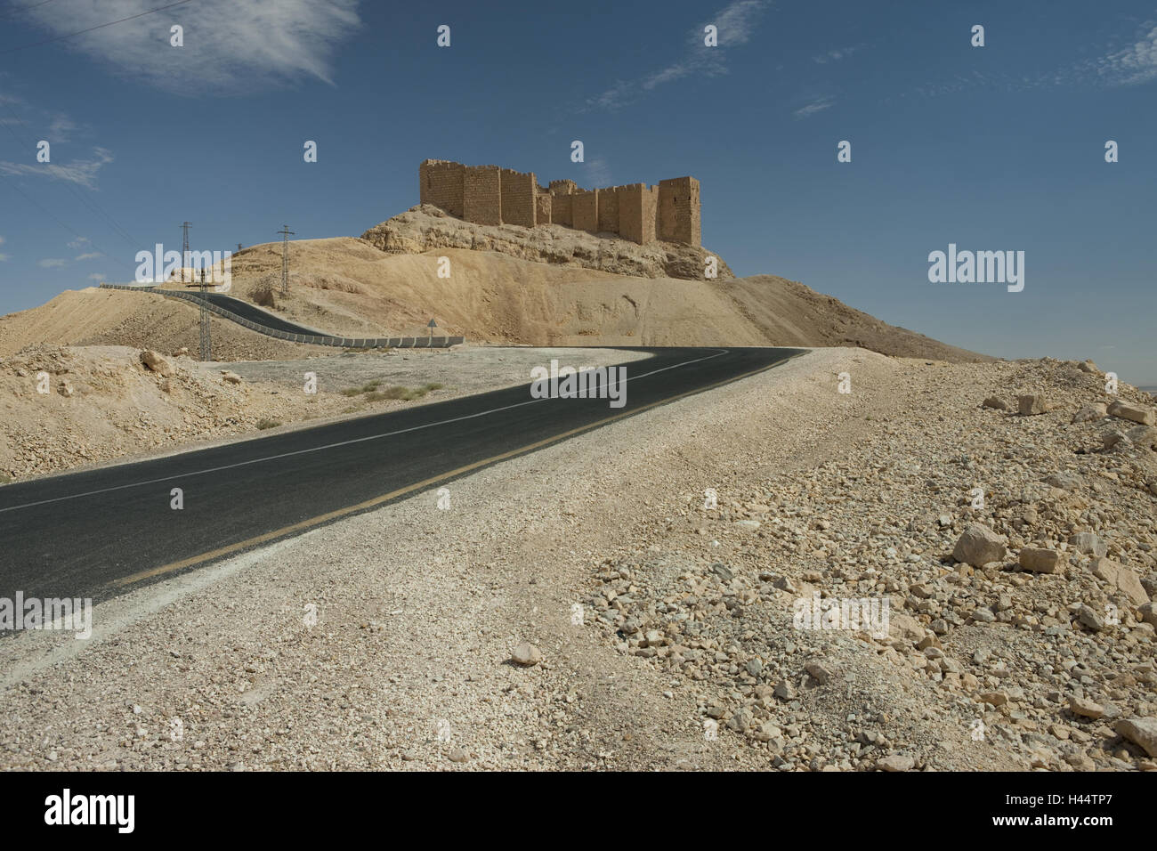 Syria, Palmyra, street to the stronghold Qalaat Ibn Maan, Stock Photo