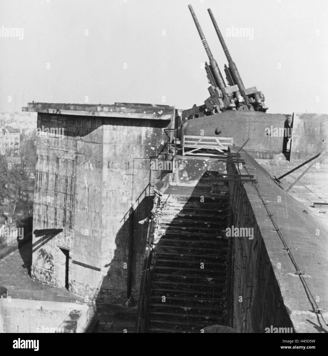 Germany Berlin Anti Aircraft Tower Zoo Zoo Bunker Detail Stock Photo Alamy