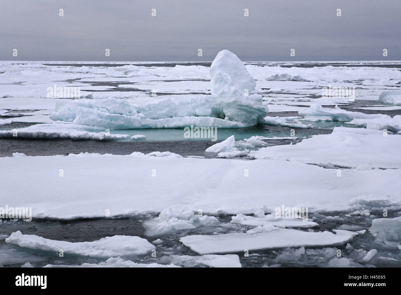 Arctic ocean, pack ice, for editorial use only, expedition, Alfred-Wegener-Institut, polar research, - Stock Image