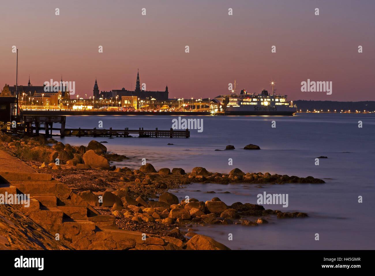 Denmark, Helsingoer, ferry, harbour, evening, fortress Kronburg, - Stock Image