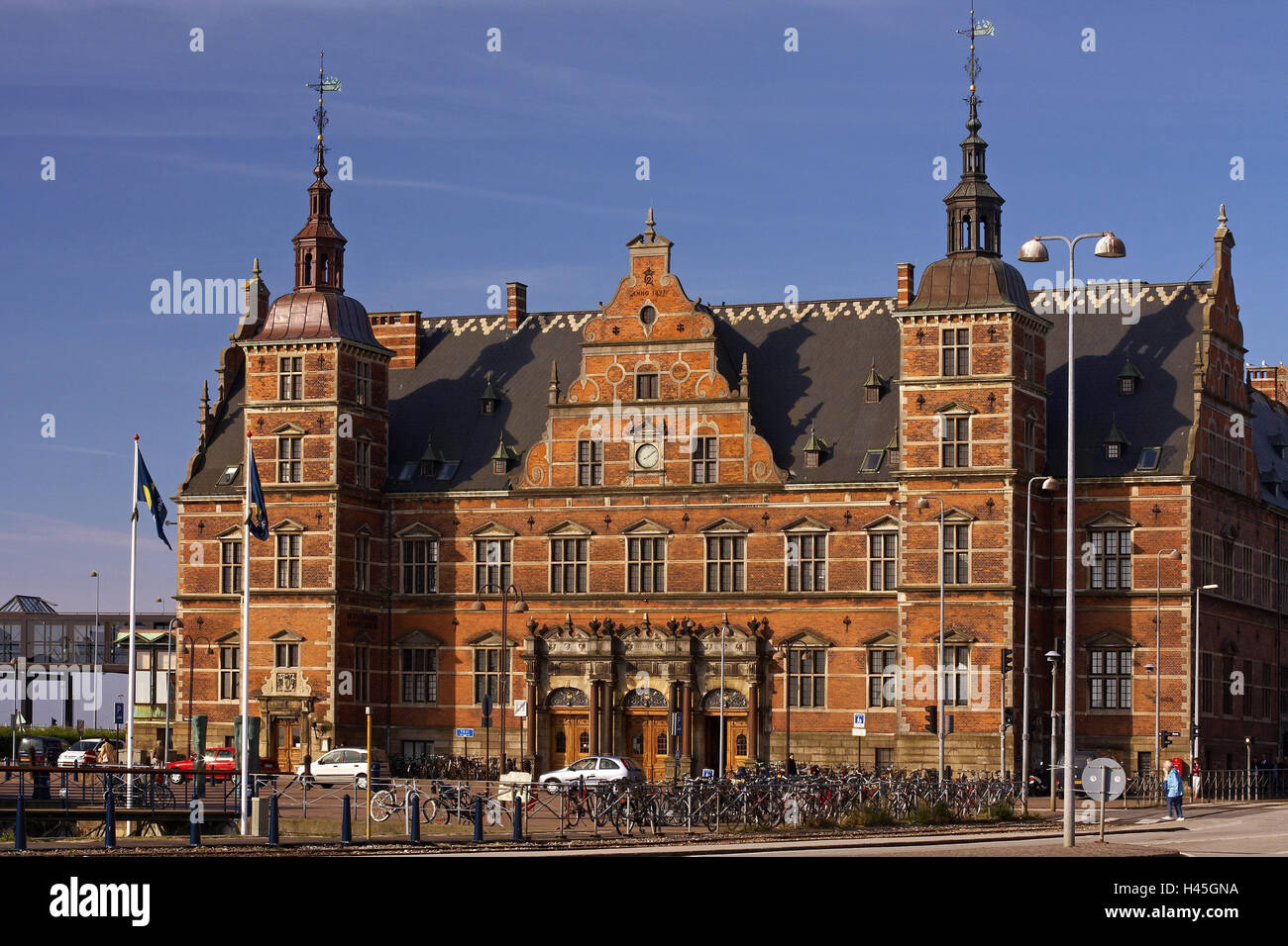 Denmark, Helsingoer, central station 'toiling Hus', outside, bicycles, - Stock Image