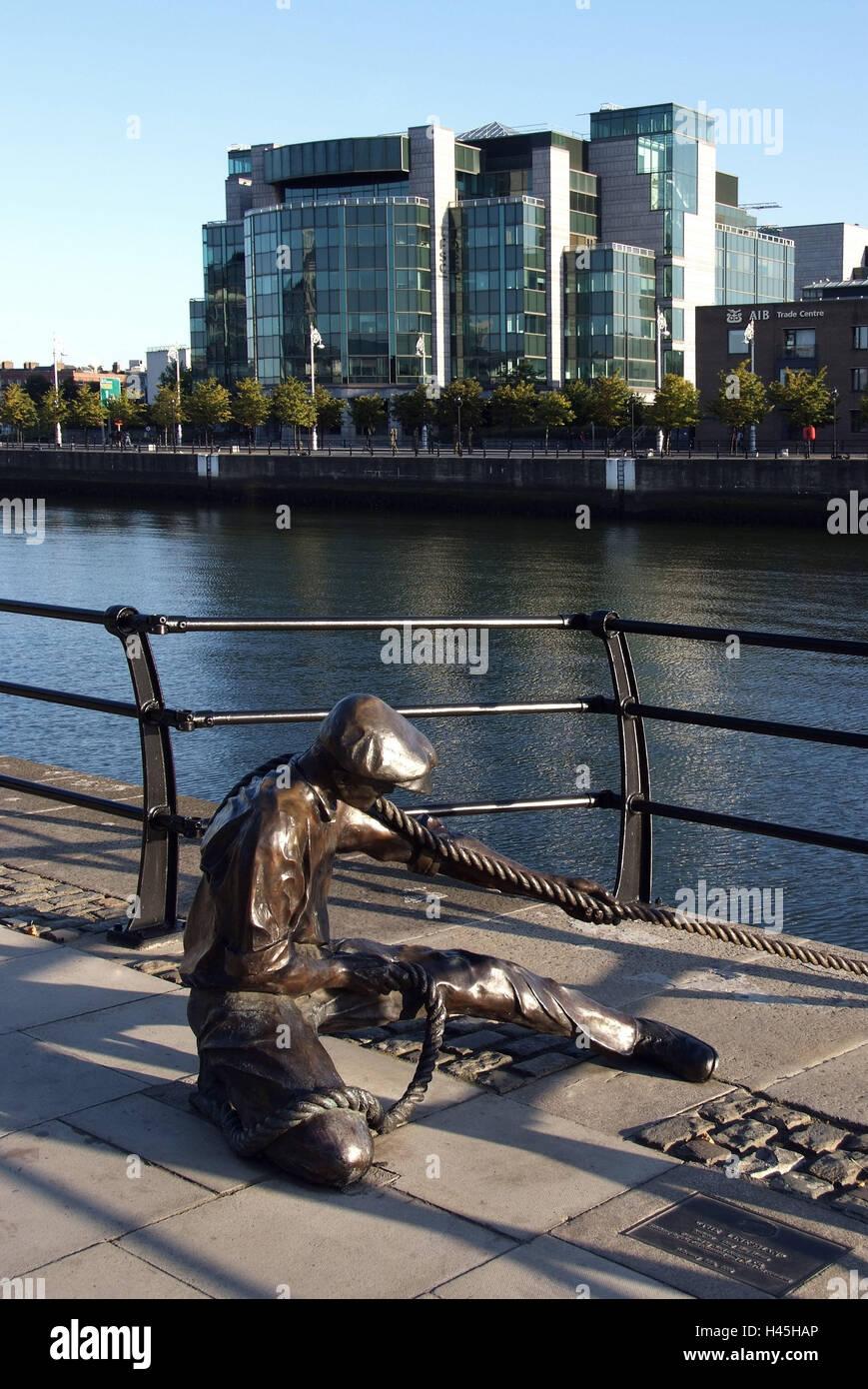 Ireland, Dublin, Docklands, City Quay, statue, The Linesman, River Liffey, - Stock Image