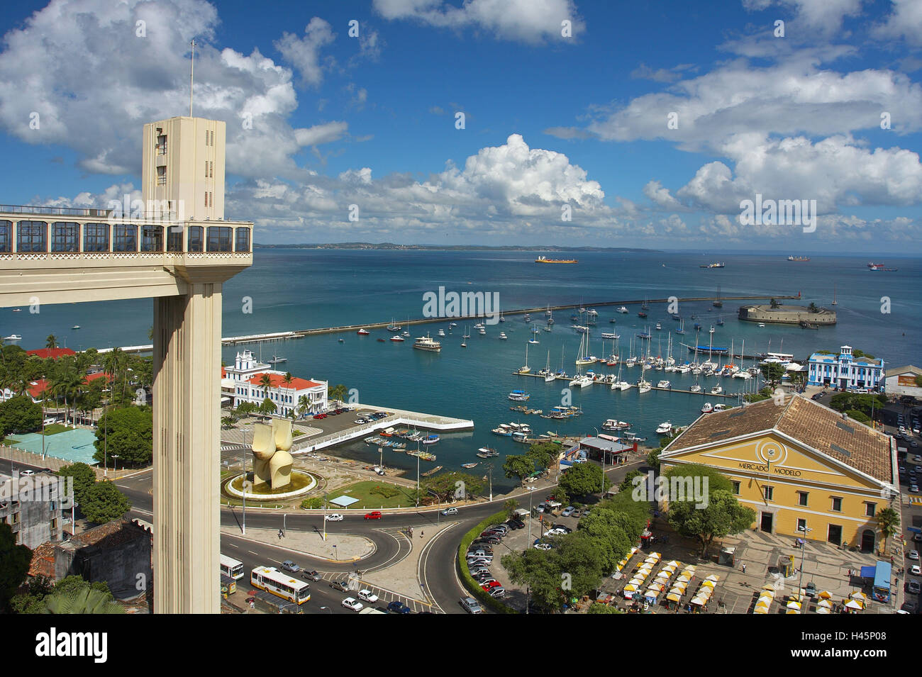 Brazil, Salvador da Bahia, Elevador Lacerda, harbour, sea view Stock Photo  - Alamy
