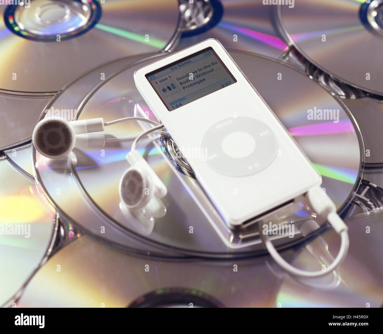 iPod nano, knows, Display, menu-point, music, music-titles, ear-listeners, play CDs, multiplicity no property release - Stock Image
