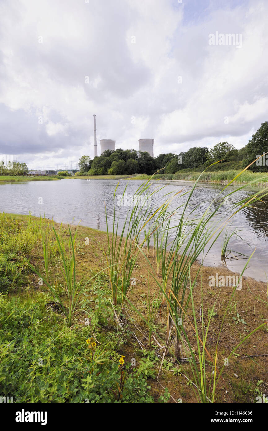 Germany, Bavaria, nuclear power plant, field Grafenrhein, cooling towers, smoke, lake, Lower Franconia, field Grafenrhein, - Stock Image