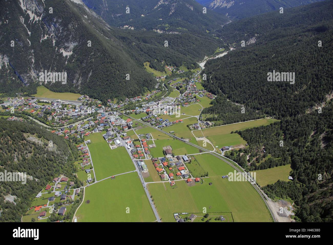 Austria, Tyrol, Scharnitz, aerial picture, alps, alp room, Karwendel, Nordtirol, place, village, parish, border - Stock Image