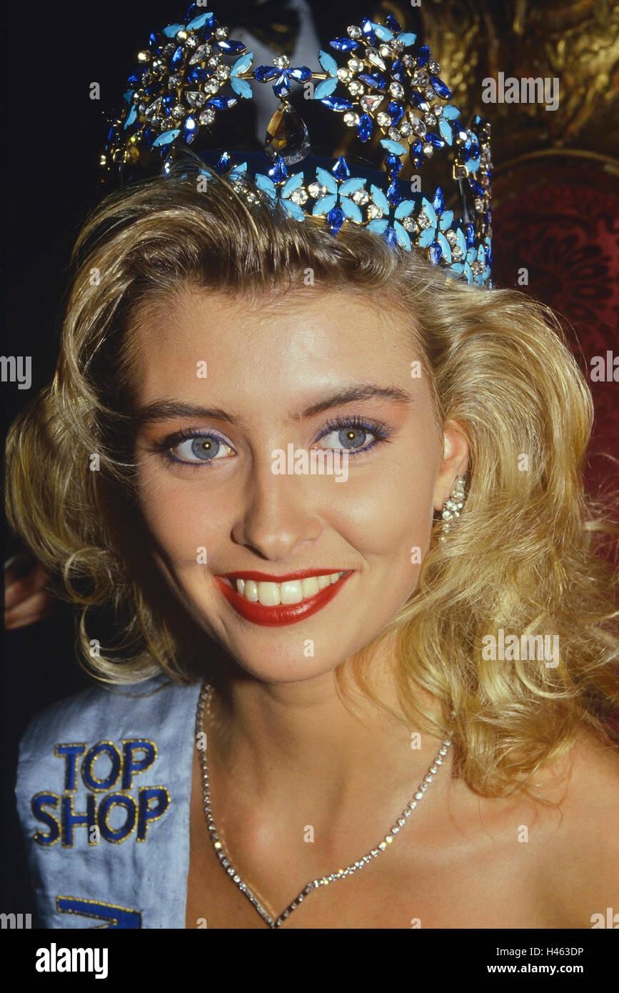 Miss World 1988. Linda Pétursdóttir (Queen of Europe) from Iceland. Royal Albert Hall. 17th November 1988. Stock Photo