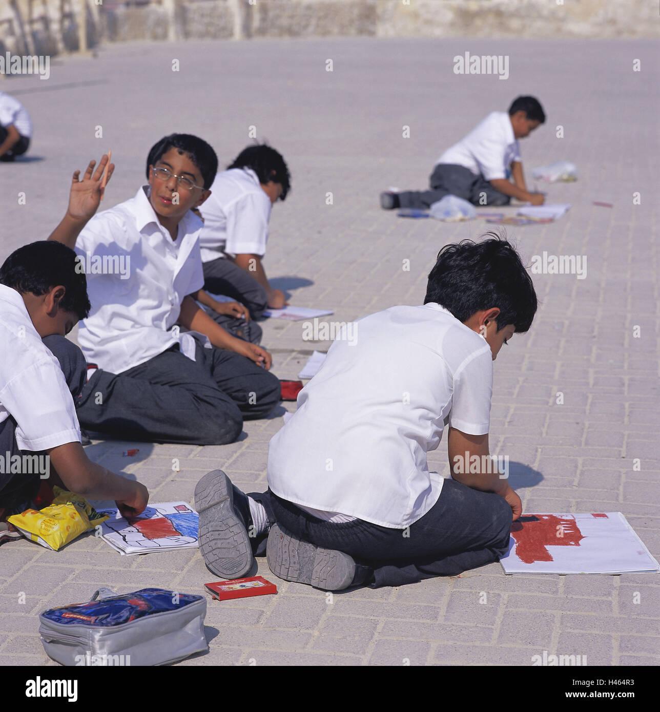 Bahrain, island Muharraq, fortress, Qala'at Arad, children, drawing, no model release, island state, sheikdom, - Stock Image
