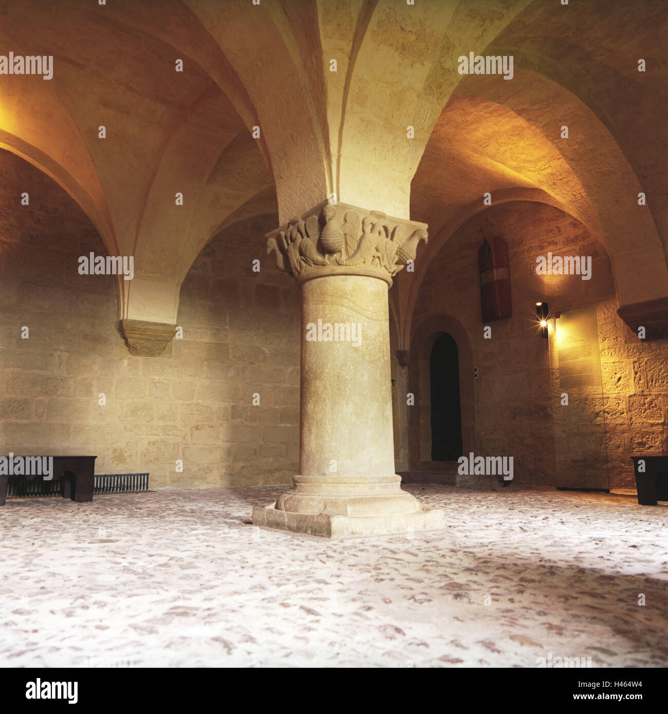 Germany, Thuringia, Eisenach (town), Wartburg (castle), knight's hall, middle pillar, castle, inside, hall, - Stock Image
