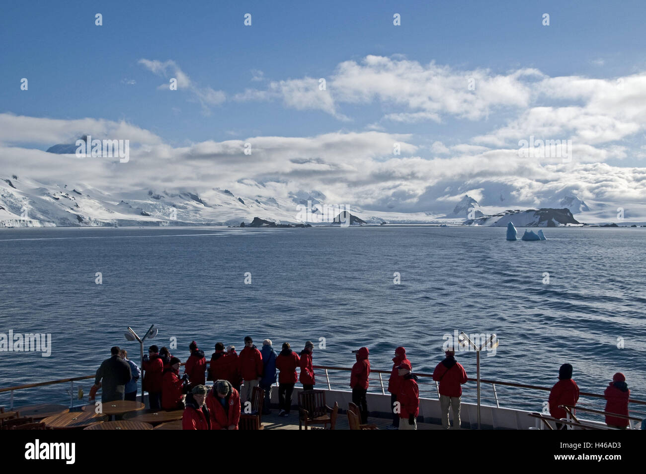 Antarctic, South Shetland islands, Livingston island, mountains, ship, tourists, - Stock Image