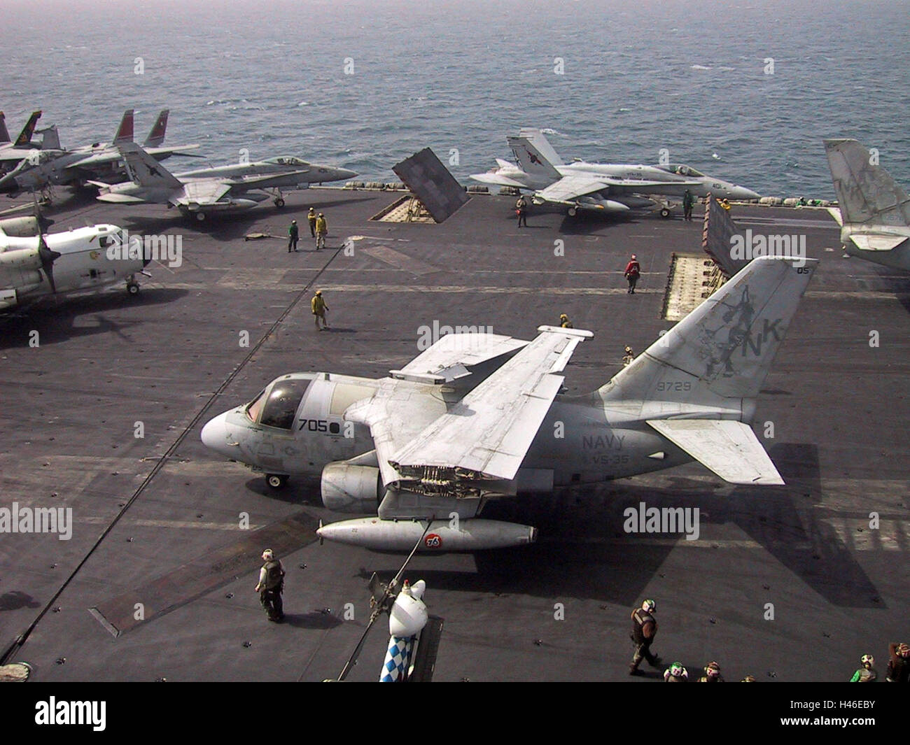 20th March 2003 Operation Iraqi Freedom: aircraft preparing for takeoff on the USS Abraham Lincoln in the Persian - Stock Image