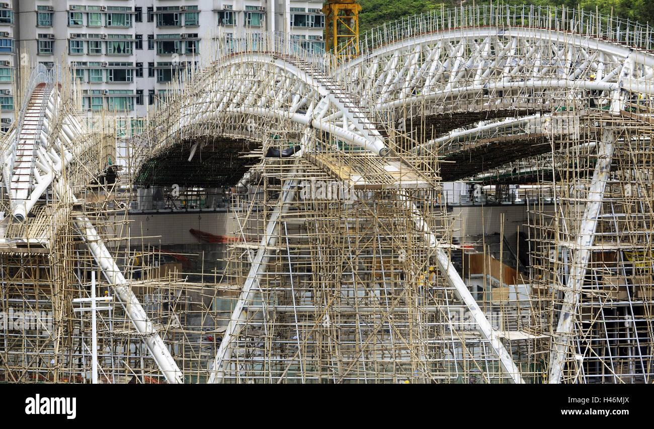 Men at work, scaffold from bamboo, Hong Kong, China, - Stock Image