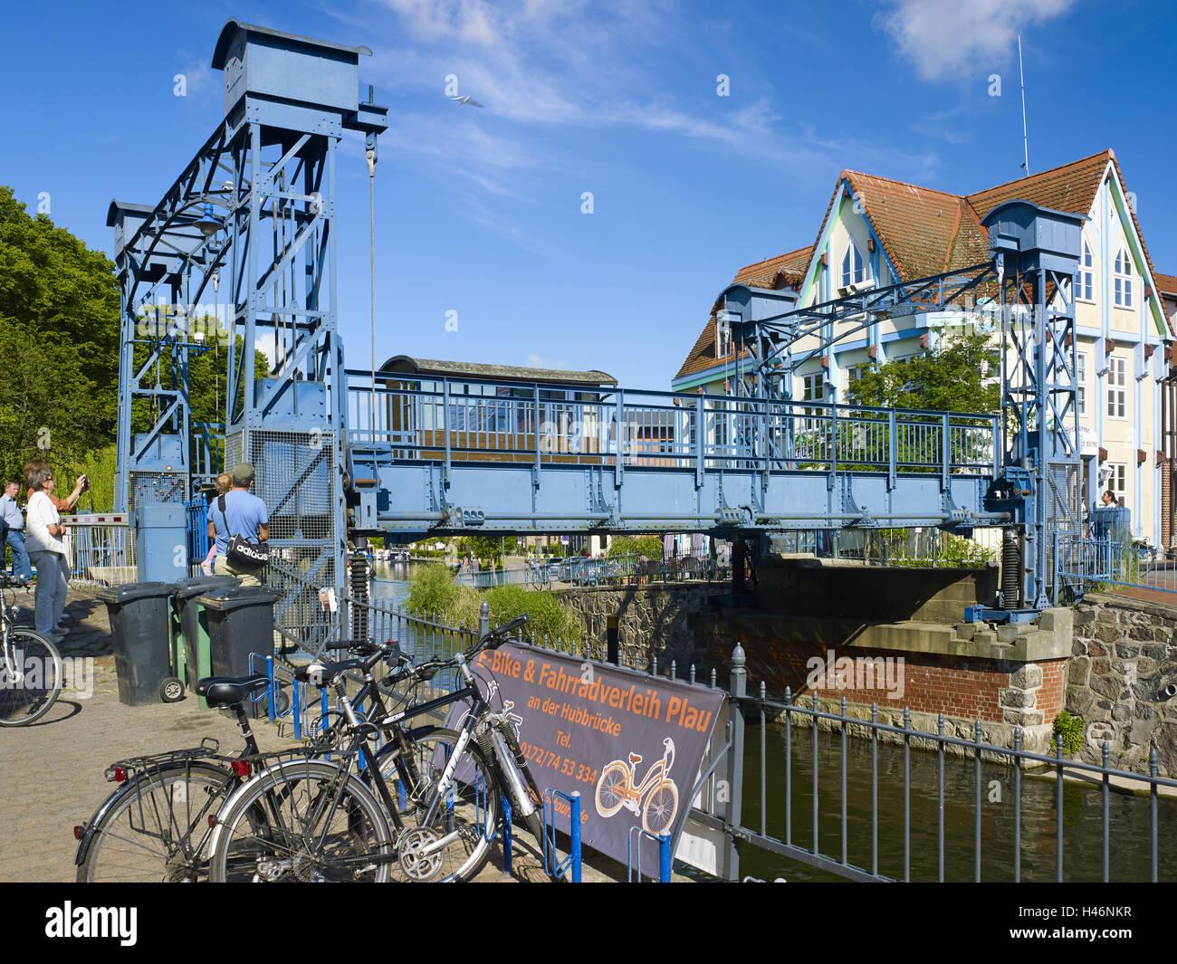 Lift bridge on Eldekanal in Plau am See at the Müritz-Elde waterway, Mecklenburg Western Pomerania, Germany - Stock Image