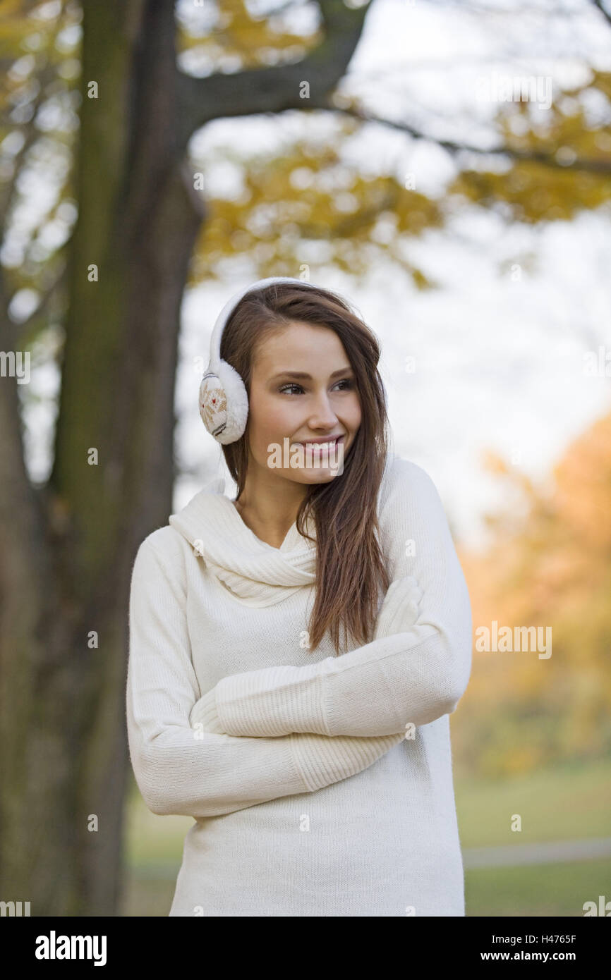 Woman, young, park, pullovers, More ear-warmly, smile, autumn, half portrait, - Stock Image