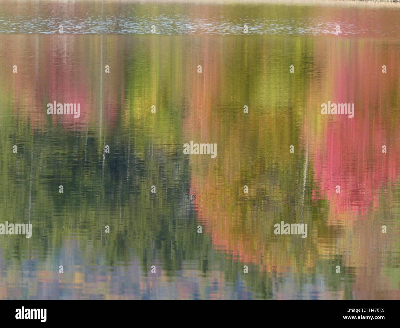 lake, image, water reflection, foliage, colors, mirror image, Indian Summer, warm days, October, heat wave - Stock Image
