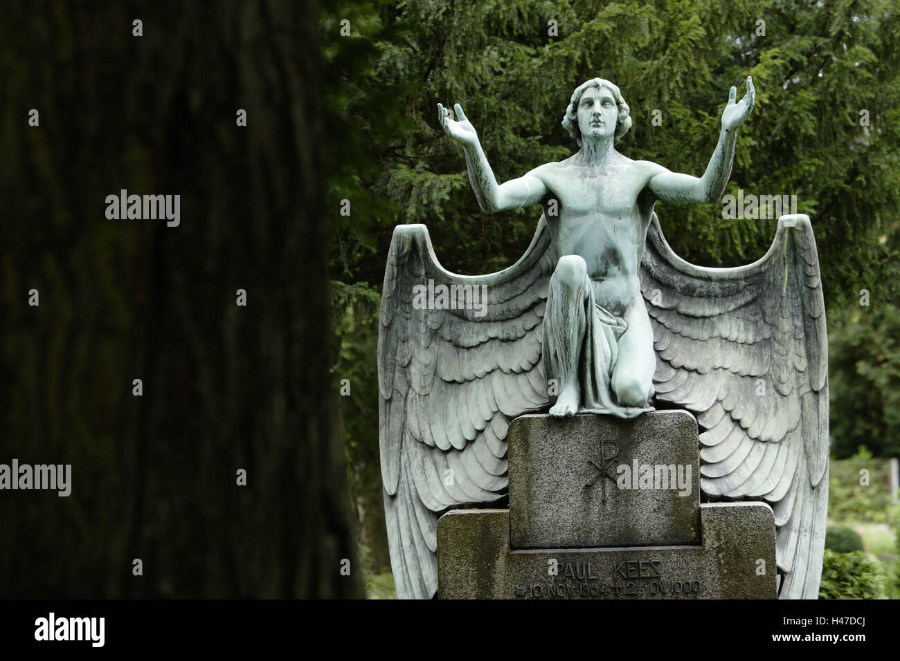 grave yard, grave, statue, angels, - Stock Image