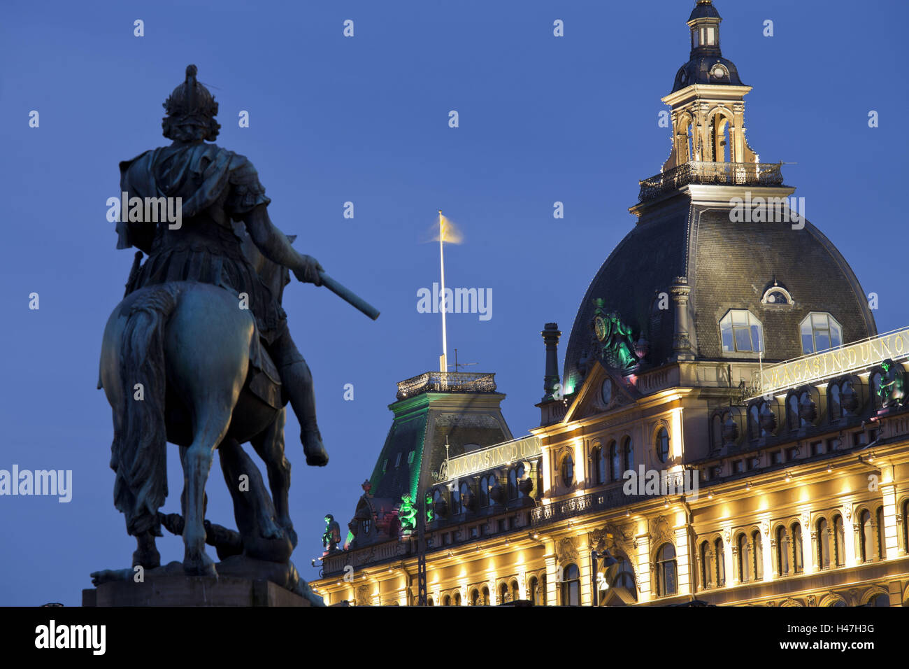 Denmark, Copenhagen, Kongens Nytorv, Magasin, - Stock Image