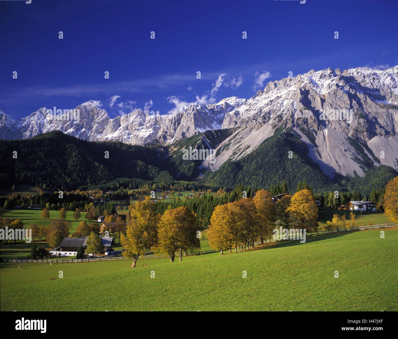Austria, Styria, Dachsteingebirge, Ramsau, autumn scenery, background roof stone group, view with premountain, Stock Photo