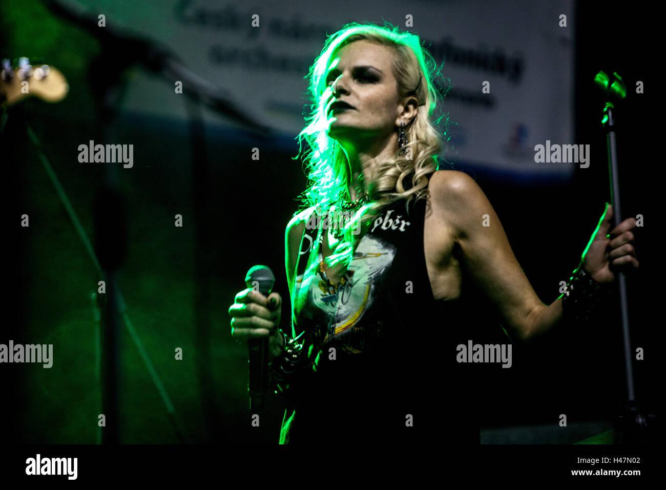 Iva Singer